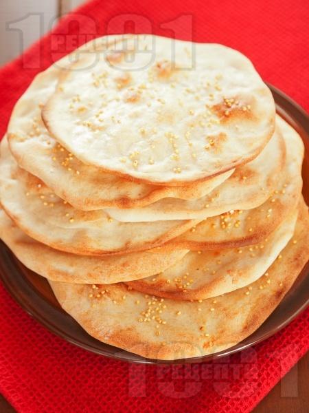 Хляб Лаваш - плоски арменски питки с просо - снимка на рецептата